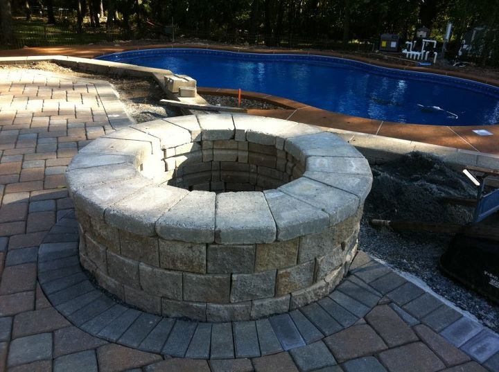 Commercial and residential masonry services in NJ including fire pits, driveways, and walkways, retention walls,